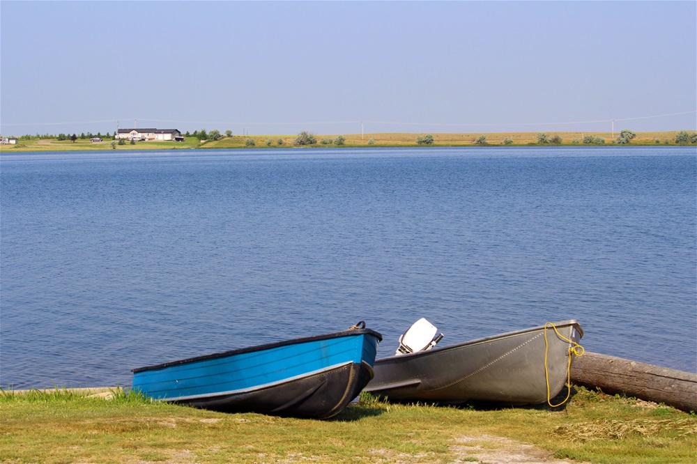 Boating in Arthur Lake